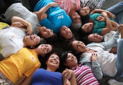 Yoga de la risa: Cómo aprovechar las virtudes de la risa para nuestra salud